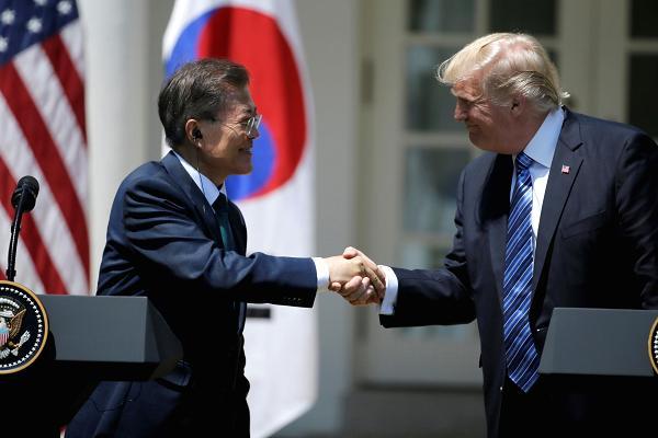 Trump - Moon