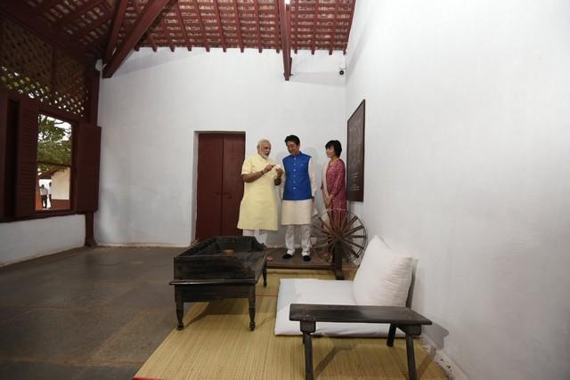 shinzo abe-india visit-modi-13092017 (11)