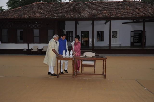shinzo abe-india visit-modi-13092017 (12)