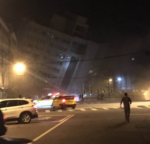 taiwan-earthquake-hotel-tilted-07022018